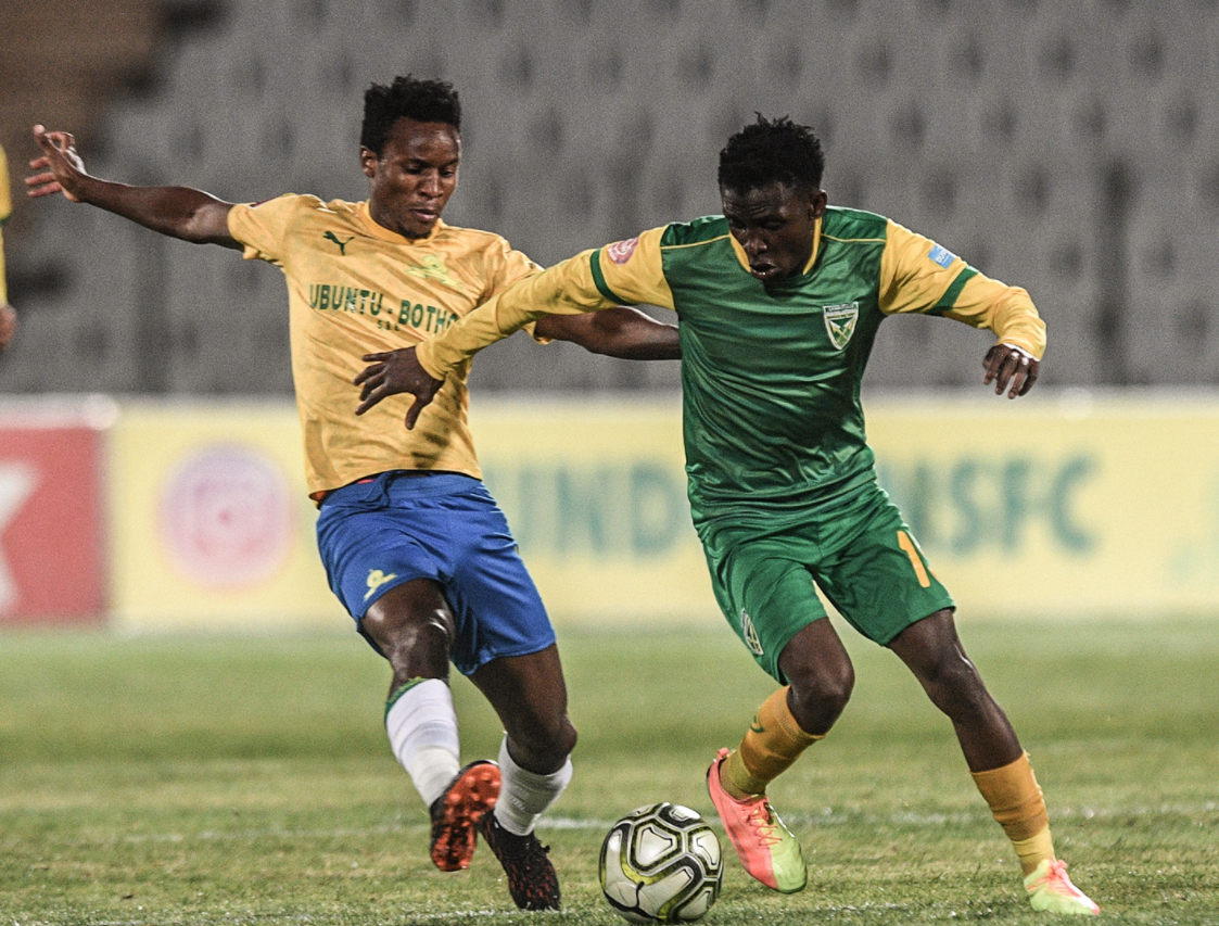 Themba Zwane to the rescue as he fires downs past arrows
