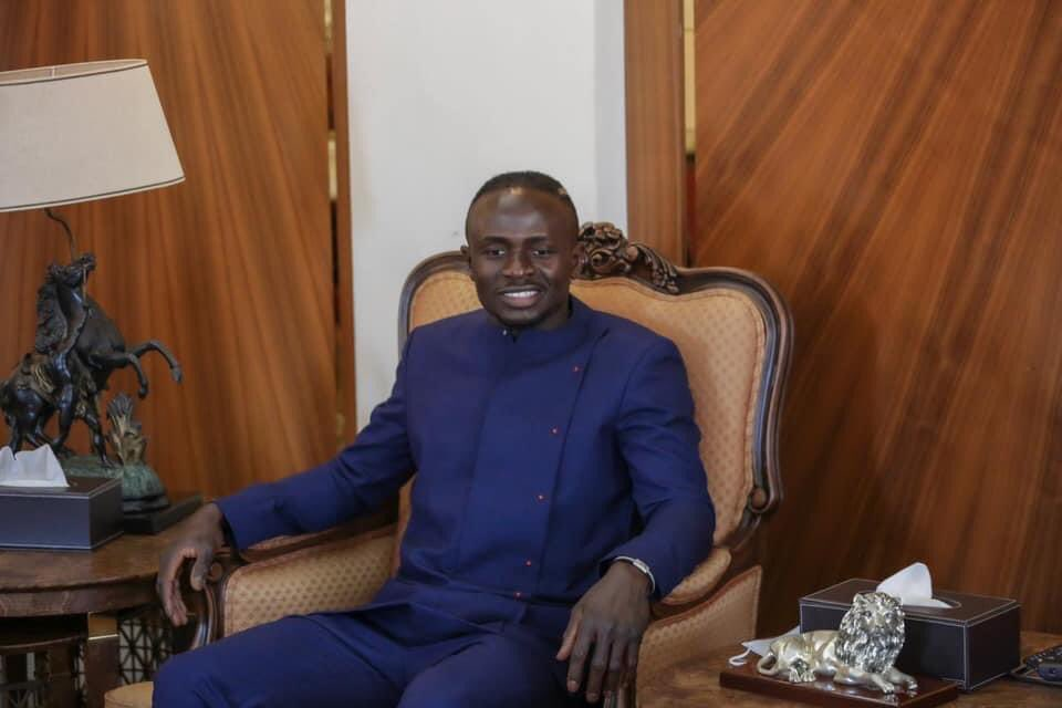 Senegal and Liverpool superstar Sadio Mane donated 500,000 pounds (around 694,000 US $) to help in building a hospital in the town of Bambali, his hometown in Senegal.