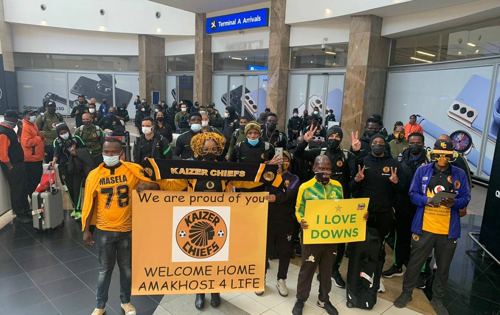 Kaizer Chiefs players finally due to arrive home